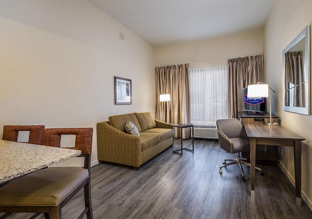 Hampton Inn Waterville Bed Room