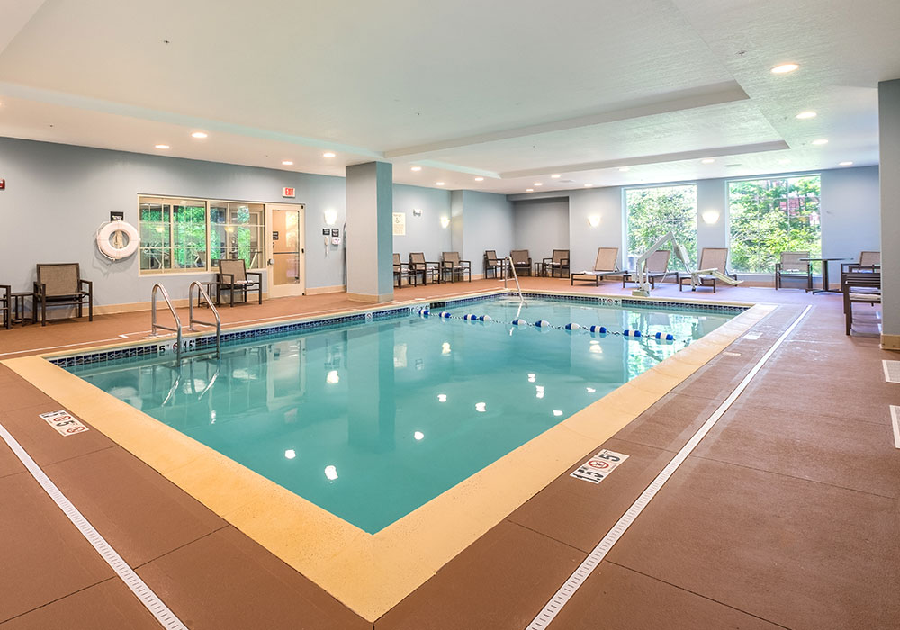 Hampton Inn Waterville Swimming Pool