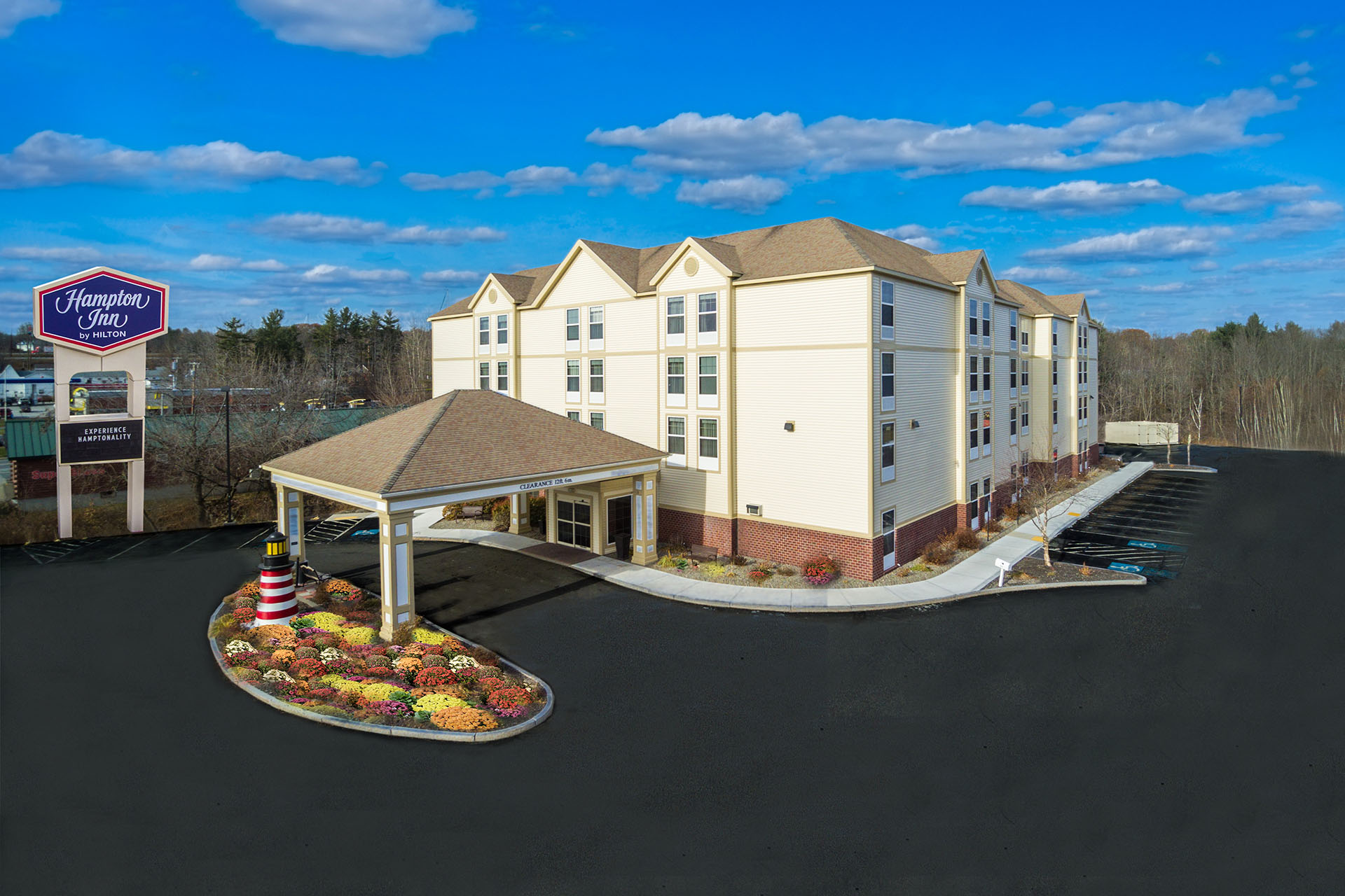 Hampton Inn Waterville Exterior